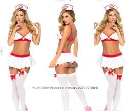 Игривая медсестричка