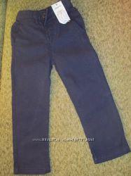 фирменные джинсы и брюки на 4-5 лет, есть выбор