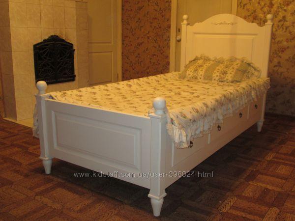 Очень красивая кровать в стиле прованс