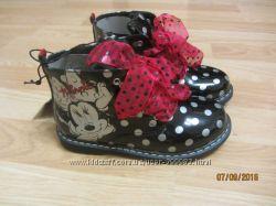 Новые, нарядные, лаковые ботиночки с Минни, размер 10UK