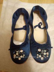 Новые нарядные балетки Zara, размер 31.