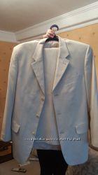 Продам отличный костюм бежевый Michael Voronin рост 168-177