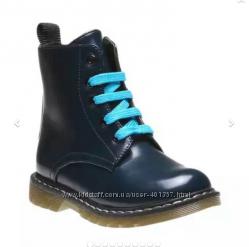Bata. Демисезонные ботиночки для мальчика из Италии. Размер 28