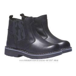 Bata. Стильные кожаные ботиночки. Два размера