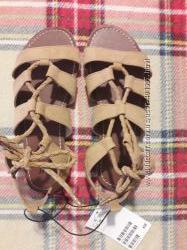 H&M. Босоножки на шнуровке. Размер 34