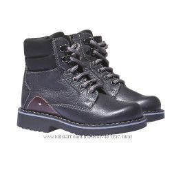 Bata. Кожаные ботиночки. Размер 29