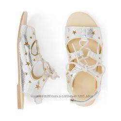 Gymboree. Классные сандалики серебро  на шнуровке