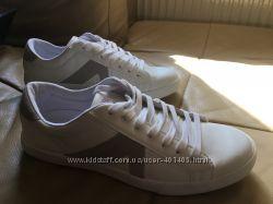Продам новые туфли-кроссовки Guess
