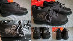 Новые кожаные ботинки Chicco