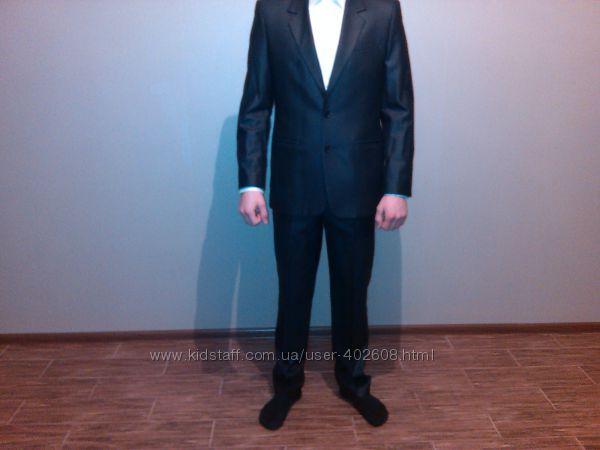 Стильный мужской костюм