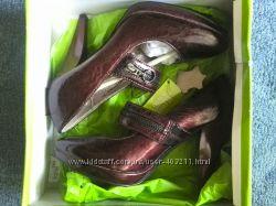 Новые бордовые туфли