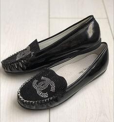 Школьные мокасины туфли для девочки с логотипом Шанель р.37 Распродажа