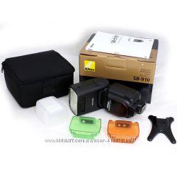 Вспышка Nikon Speedlight SB-910.