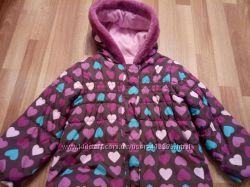 очень яркая и красивая куртка TU 3-4 года