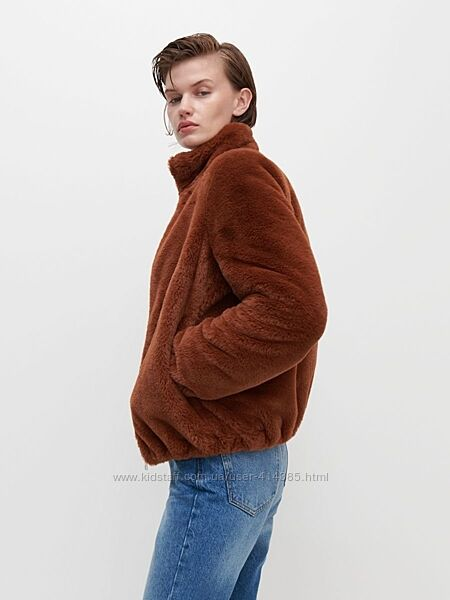Крутая меховая куртка  Резервед на подкладе