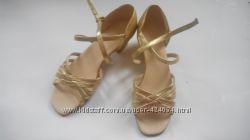 Профессиональная танцевальная обувь для девочки. производства Украины.