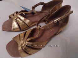 Туфли для бальных танцев для девочки р. 34 новые