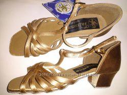 Танцювальне взуття для бальних танців для дівчинки