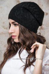 Классная женская шапка с бубоном песец
