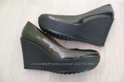 Туфли лакированные на танкетке 38, 5 39 vera pelle италия