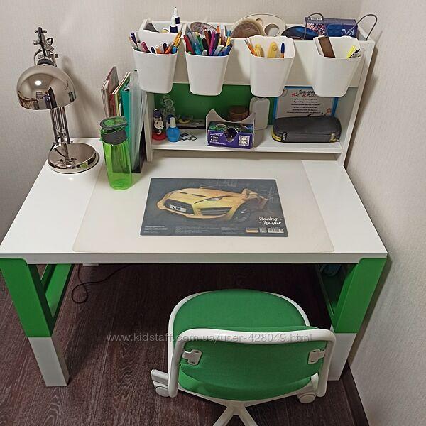 Письменный стол, полка и стул Икеа