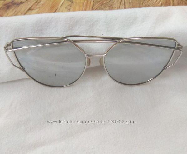 Солнцезащитные очки- лисички, сонцезахисні окуляри