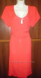 Яркое платье марки Jeffrey & Paula  от Simply Be