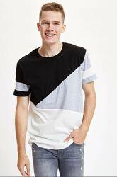 Мужская футболка Defacto / Дефакто с черным и серым принтом