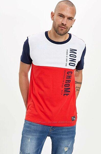 Мужская футболка Defacto / Дефакто с красным и синим принтом Mono Chrome