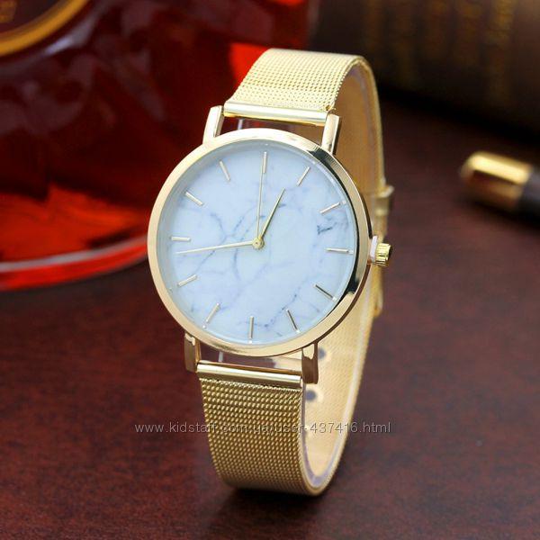 Женские часы классические с мрамором