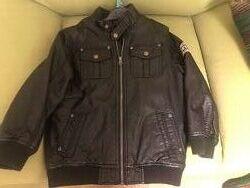 Демисезонная кожаная курточка 128 см