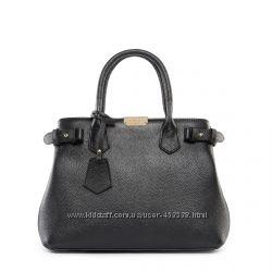 Кожа. Италия. Нарядная сумочка из натуральной кожи среднего размера.