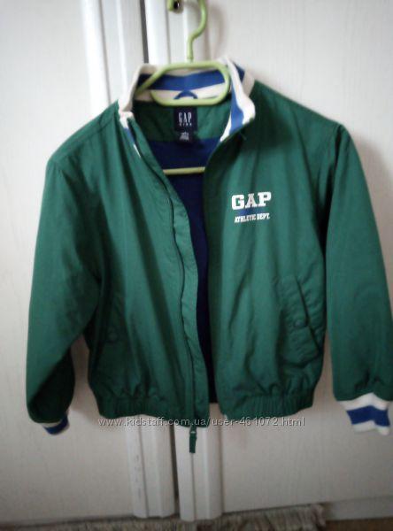 Курточка, бомбер, ветровка Gap Kids