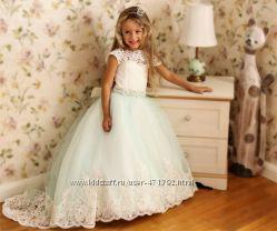 Изящное платье для маленькой леди
