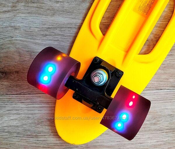 Пенни борд Скейт Explore LEGACY 22 светящиеся колеса с 2 ручками  бу