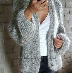 Теплая красивая удобная вязаная полушерстяная  одежда