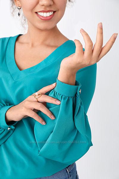 Блузка женская свободного кроя шифоновая с объемными рукавами классическая