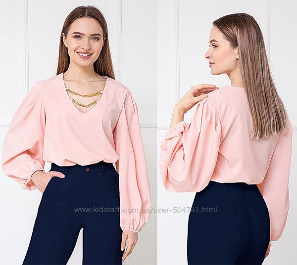Женская блузка с декором и объемными рукавами