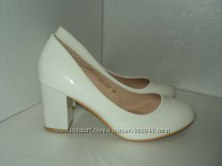 Новые женские белые туфли, р. 36 - 38. цена снижена