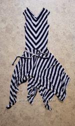 Платье стильное модное, красивое. На 42-44 размер. Дешево, срочно