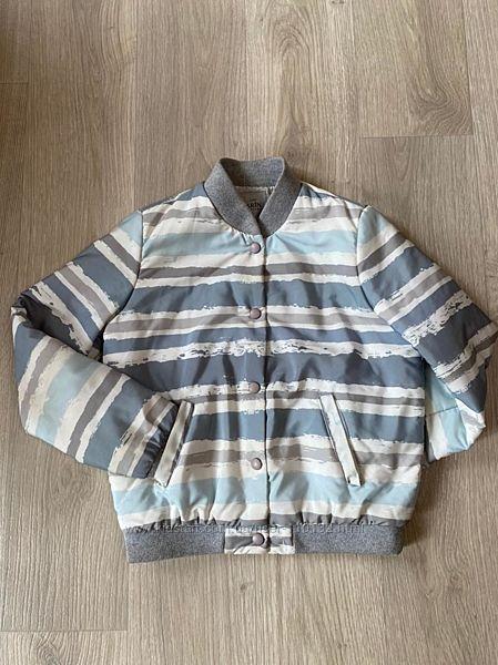 Куртка деми бомбер на утеплители на девочку 9 лет