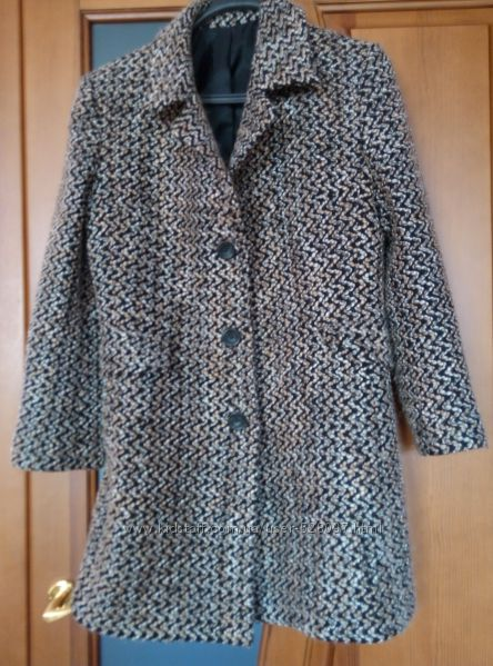 Демисезонное пальто букле 48 размера