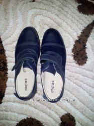 Продам туфли в школу на мальчика , кожа