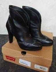 Кожаные ботильоны Levi&acutes, демисезонные ботинки