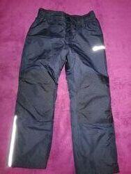 Зимние штаны для мальчика 110-128 в отличном состоянии