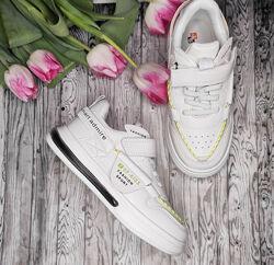 Нереально крутые белые кроссовки