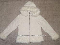 Демисезонная куртка Hoock молочного цвета на девочку 7-8 лет. Рост 128 см.