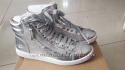 Ботинки кожаные UGG  Metallic Silver р. 39. 0 US 9. 0