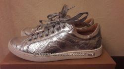 Кеды  кожаные UGG Milo Silver  р. 37. 5-38  US 7, 5