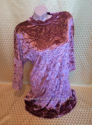 Женское велюровое платье.